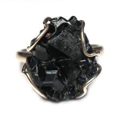 Кольцо с гранатом меланитом 1467-nr